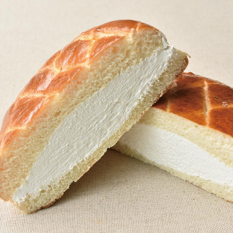牛乳パンレギュラー5個(プレーン2個・いちごジャム・丸山珈琲・あずきみるく)