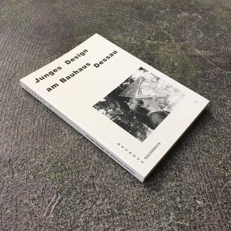 JUNGES DESIGN AM BAUHAUS DESSAU-Bauhaus Taschenbuch11-German Edition
