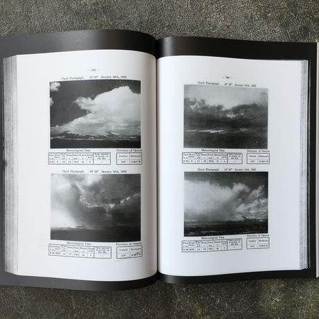 THE MOVEMENT OF CLOUDS AROUND MOUNT FUJI -Photographed and Filmed by Masanao