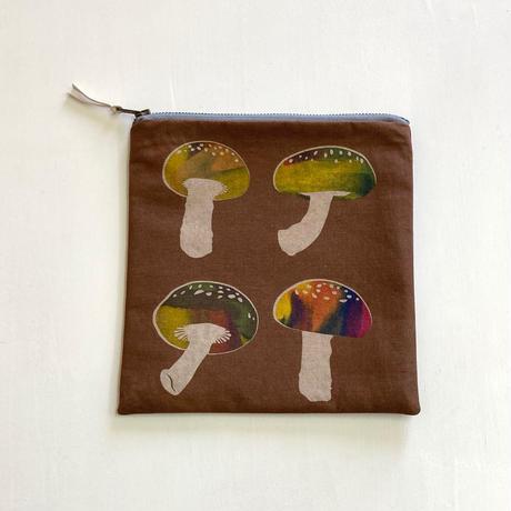 ポーチ [しいたけ] 茶 / Zipper Pouch -Shiitake mushroom-