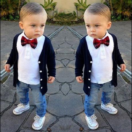 美しい赤ちゃん男の子スーツ4ピース子供男の子服綿カーディガンコート+ Tシャツ+ジーンズ+弓子供男の子服セット