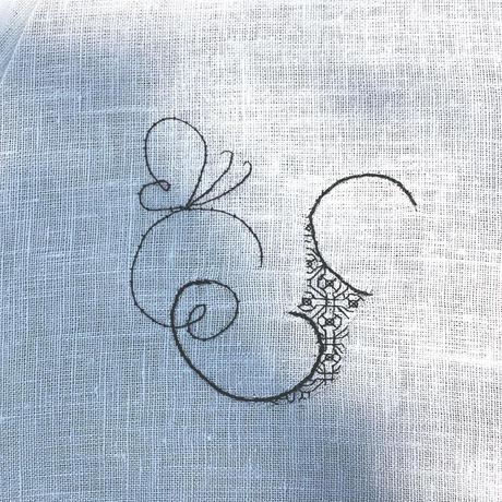 オーダーメイドのイニシャルの刺繍の御注文