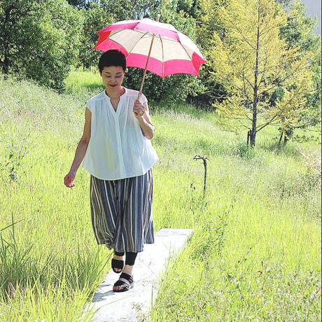 コーラルレッドの日傘