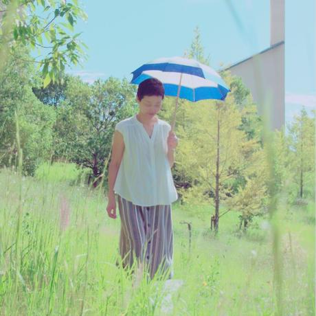 真夏のロイヤルブルーな日傘