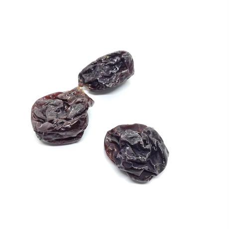 【つまらないものですが】糖度の高いぶどう、ピオーネをじっくり4日以上乾燥させ旨味を凝縮させたドライフルーツ。