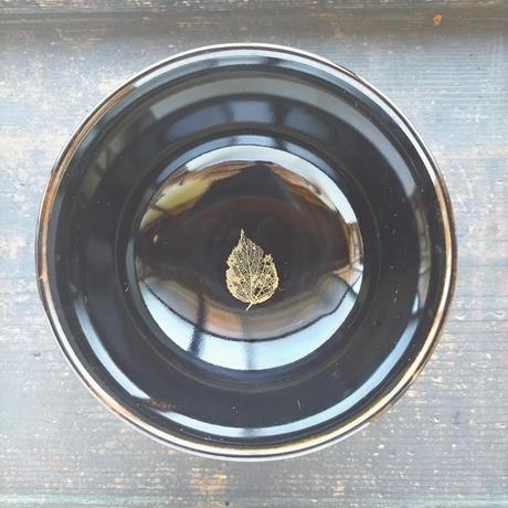 陶器のどんぶり茶碗(天目風木の葉模様)