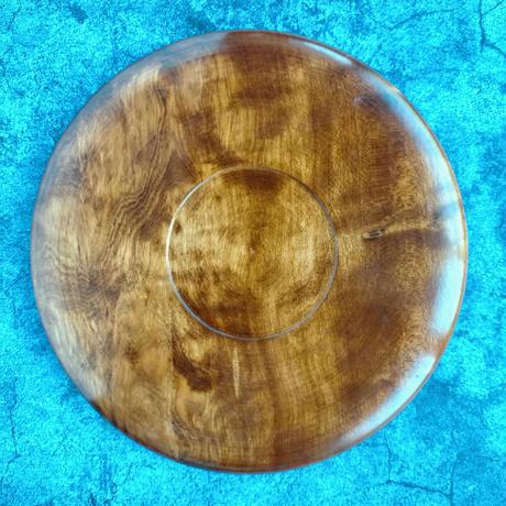 自然な木目が美しい木製の茶盆