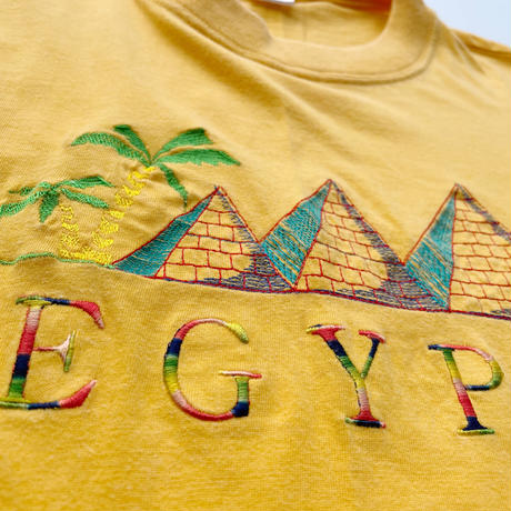 90's Penguin Egypt tee / 90年代 エジプト 刺繍Tシャツ