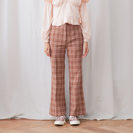 margarin fingers / cocoa check pants