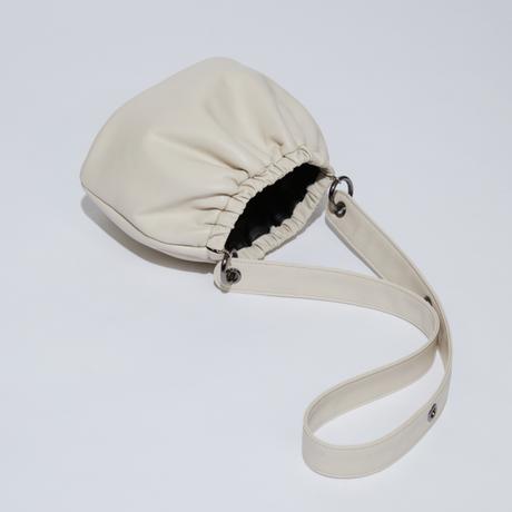 SAMO ONDOH / egg bag S lamb skin(cream)