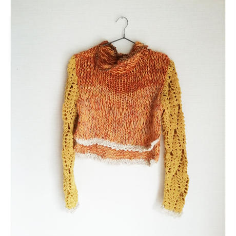 Yellow Lacy Pullover (黄色のセーター)