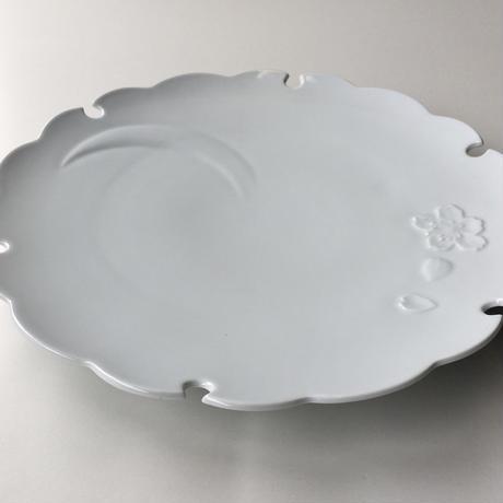 白磁彫雪月花文大皿 有田焼花伝造