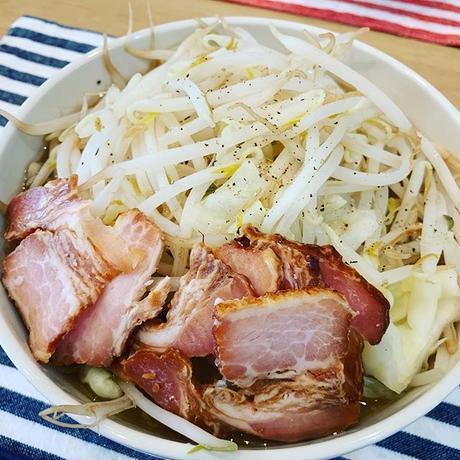 【冷蔵便】家二郎セット(超極太平打#8・オーション麺4玉&豚骨醤油スープ4食分 )  200g×4玉