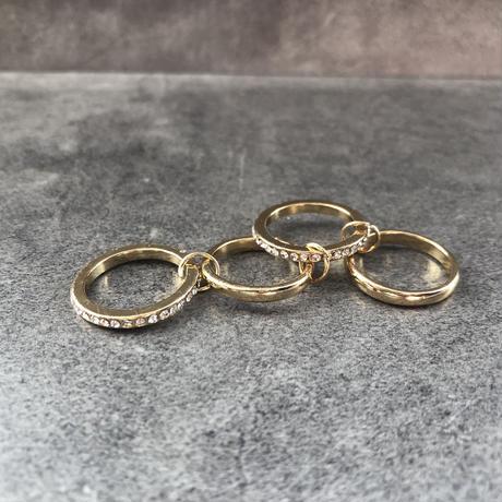 【送料込2500yen】4 consecutive rings