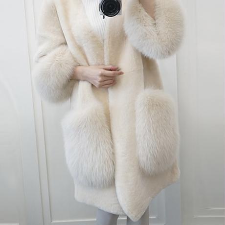 ボリュームファー デザインコート 2色展開
