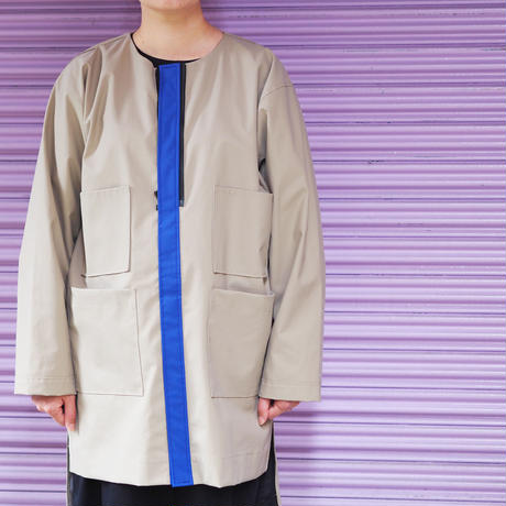 QFD - AW19 RUBBER COAT / Beige