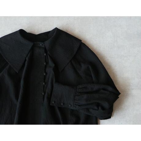 コットンリネンストライプ・アンティーク襟ブラウス/ブラック
