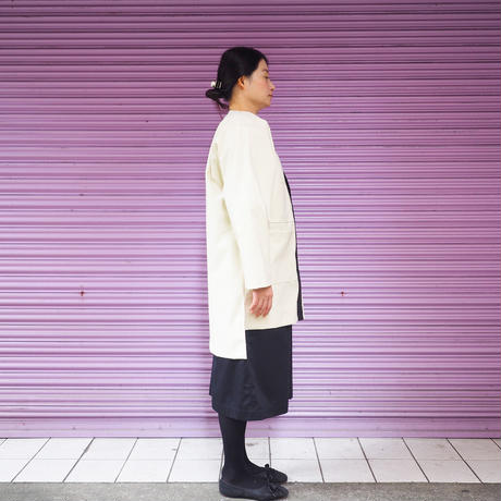QFD - AW19 RUBBER COAT / White
