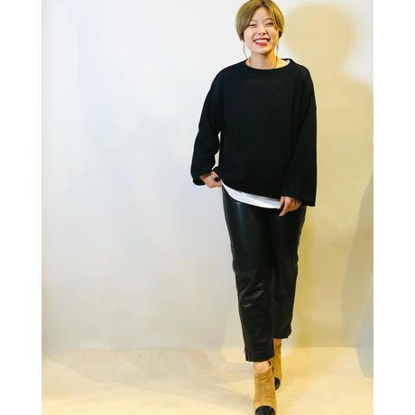 【ANNNA KERRY(アンナケリー)】フェイクレザーサイドジップパンツ