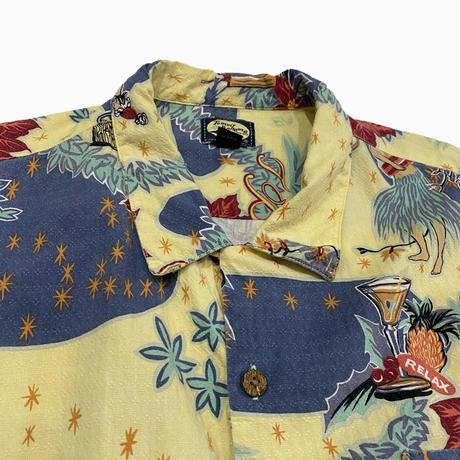 old over size Hawaiian rayon shirt