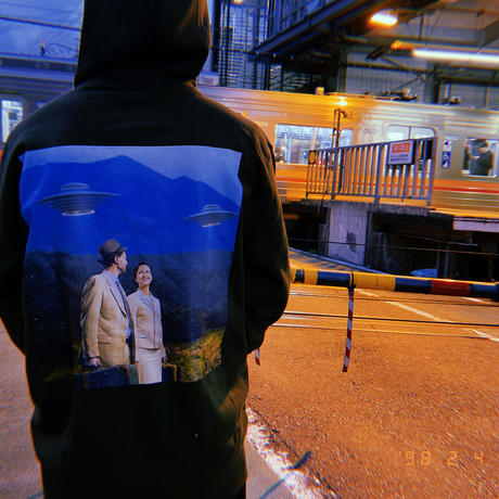 "SENDER TOKYO  ""DMTtrip"" PARKA"