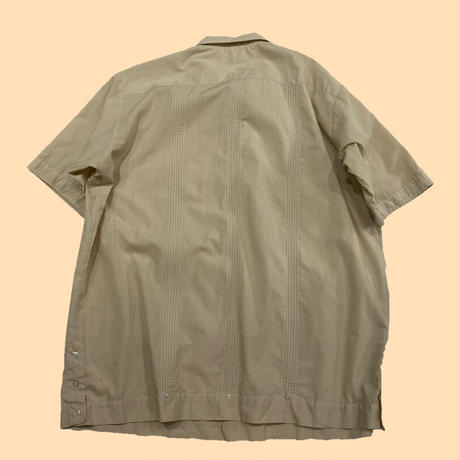old over size Cuba shirt