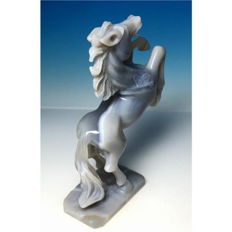 希少・一刀彫 天然生めのう 馬 彫刻:中国