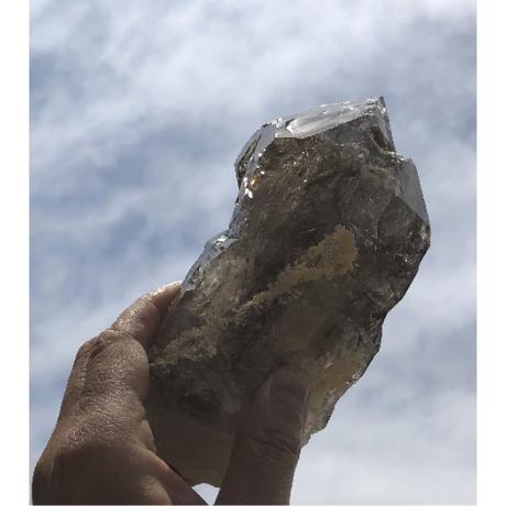 カテドラルクォーツ(観音水晶)水入り4ヵ所 雲母共生&レインボー入り(無研磨)KQ-008