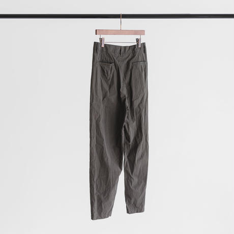 Cotton typewriter tuck pants (ink black)