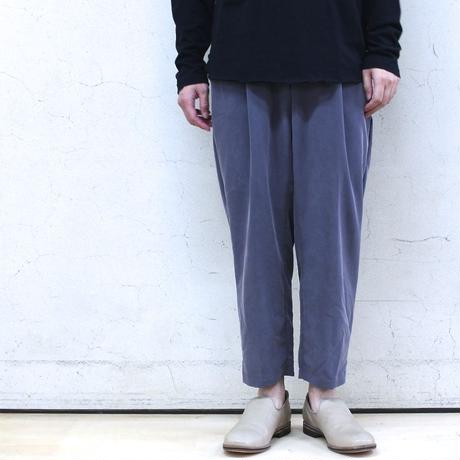 Modal & polyester dyed poplin tuck pants (gray)