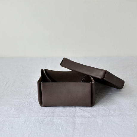kasse (box)/ brown(M)