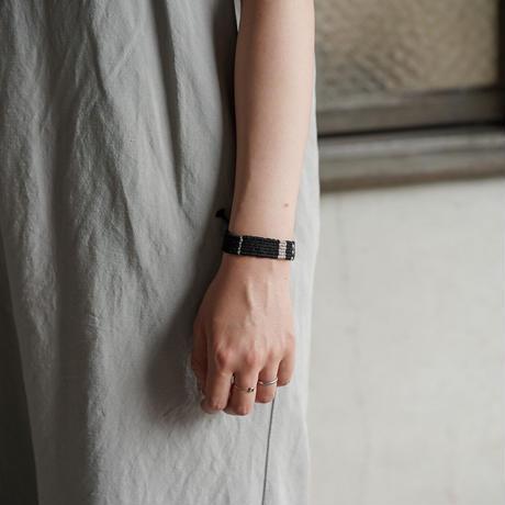 糸ブレスレット 03