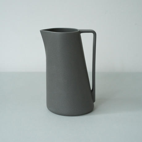 Pitcher L / Gray