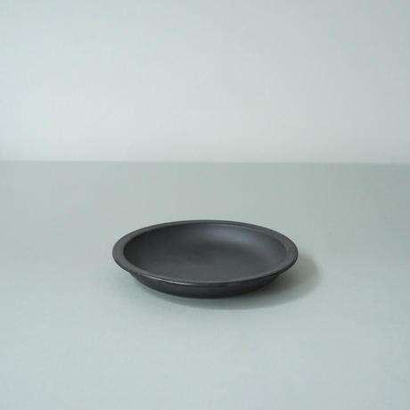 Plate 140 / Black