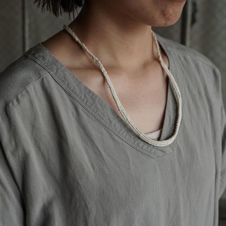 糸ネックレス