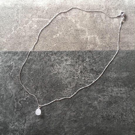 glass necklace (wh