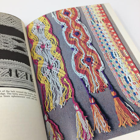 【古本】B026  MACRAME The Art of Creative Knotting /Virginia I. Harvey マクラメ編み バージニア・I・ハーベイ