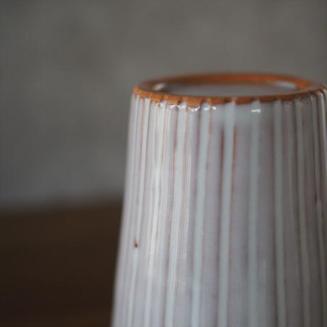 線彫りフリーカップ・大【白萩釉、御本手】