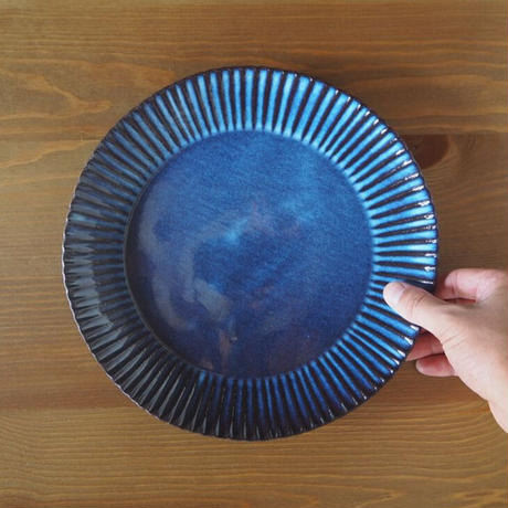 輪花8.5寸皿【青萩釉】