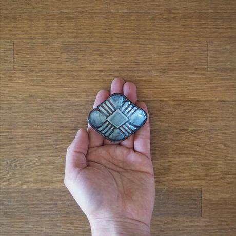 菱形菊花箸置き 全2色