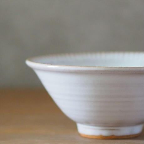 しのぎリム5寸鉢(白萩釉)