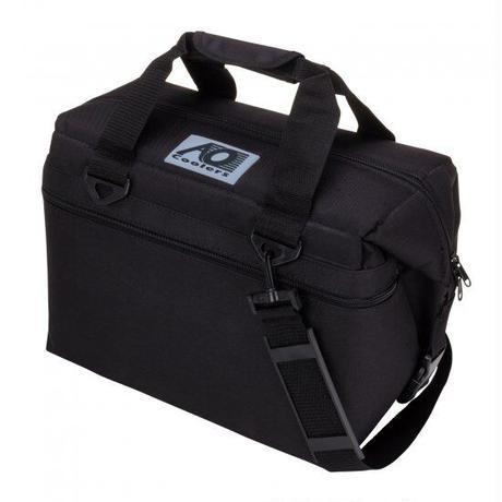 AO Coolers 24パック キャンバス ソフトクーラー ブラック