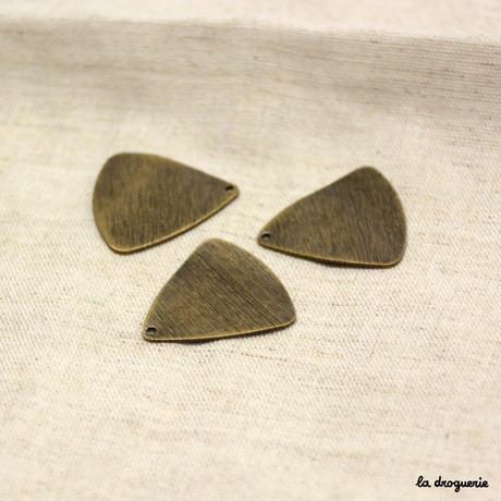 Perle « Triangle ondulé brossé »