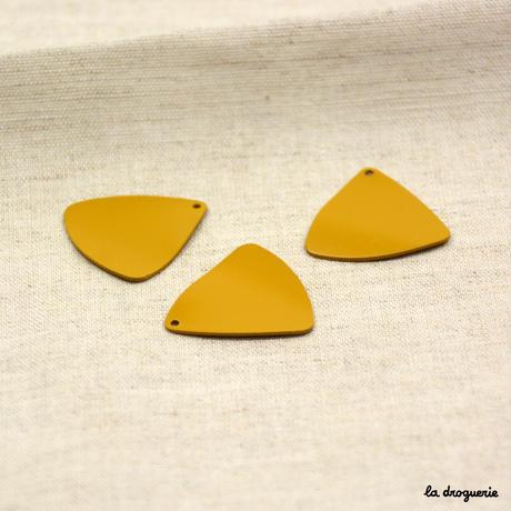 Perle « Chromatique triangle ondulé »