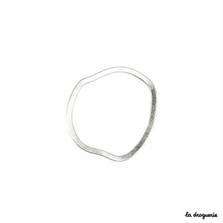 Perle « Distorsion anneau »