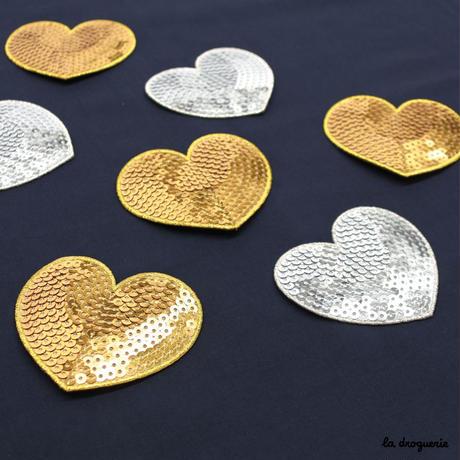 Ecusson « Pailleté coeur » Argenté  Ecusson à thermocoller 80 à 70 mm