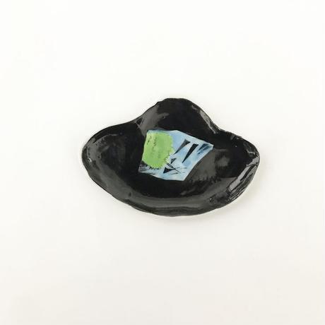 田辺京子 黒の小皿