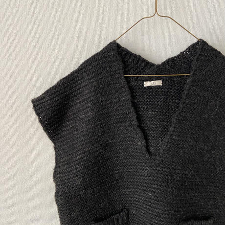 "HAU knit vest ""slub yarn"""