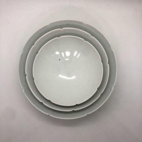 キム・サンイン 白磁 花びら重ね皿(中)