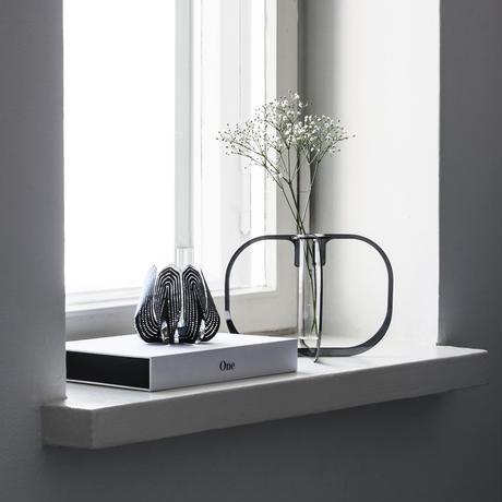One flower vase - Black chrome -